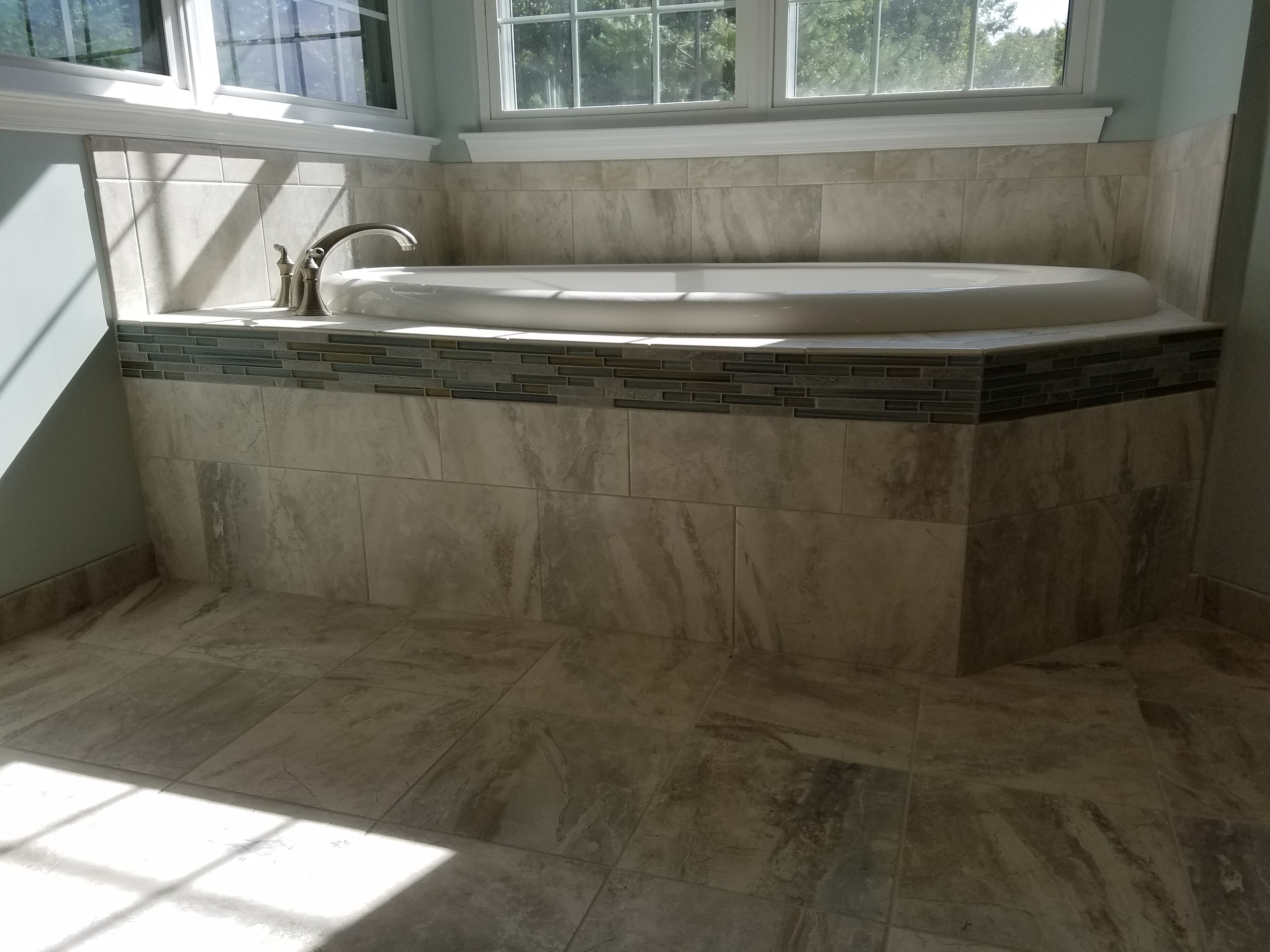How much to lay tile per square foot best of what is the labor kitchen bathroom tile in ceramic tile expert repairs and custom bathroom and dailygadgetfo Images